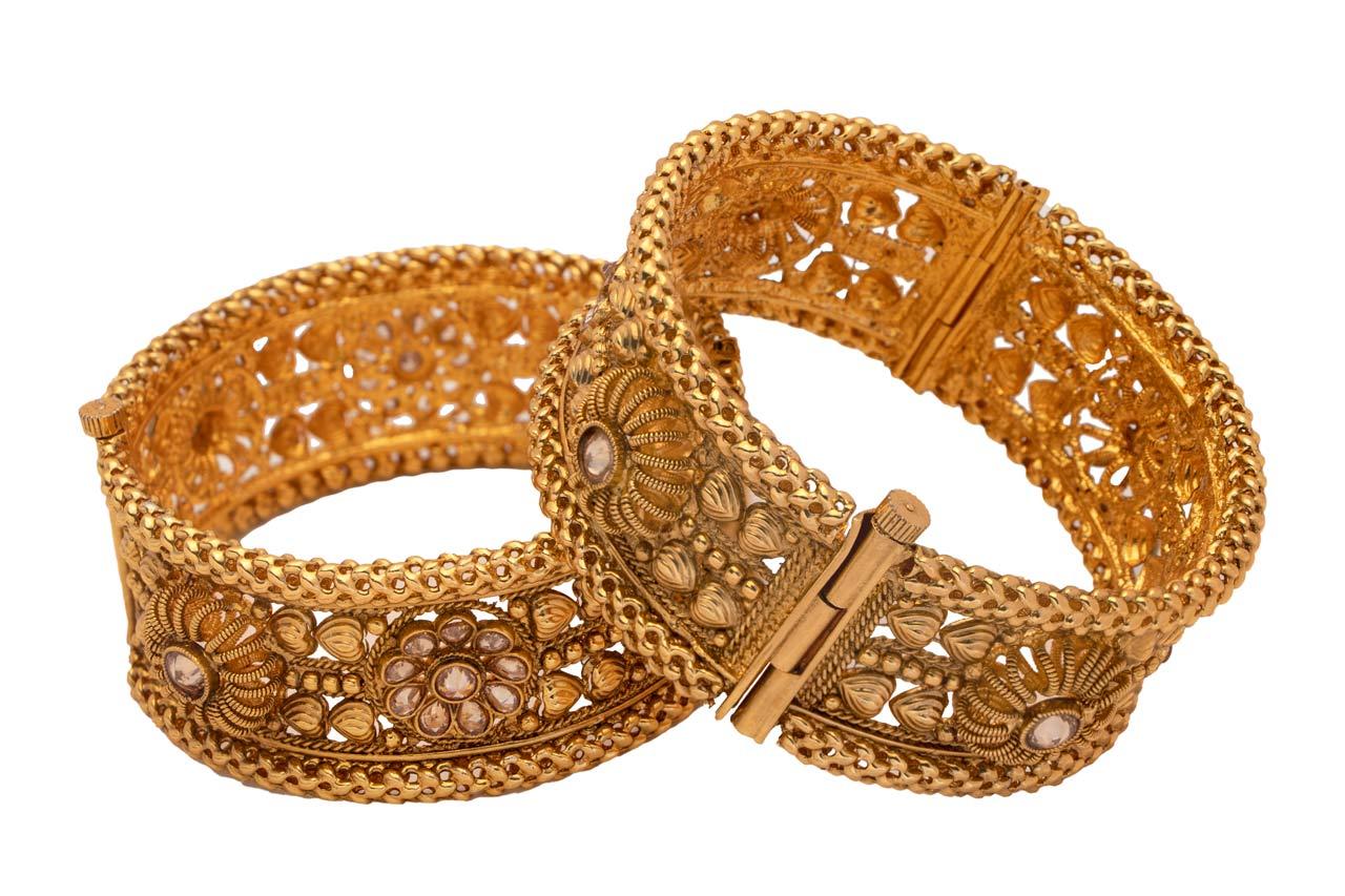 Golden pattern Screw bangles