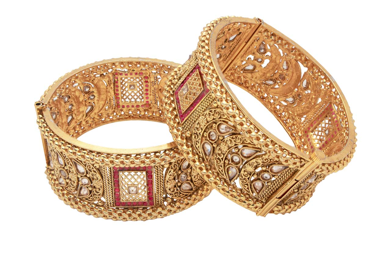 Red Square pattern bangles